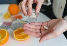 Tabletka na dłoni